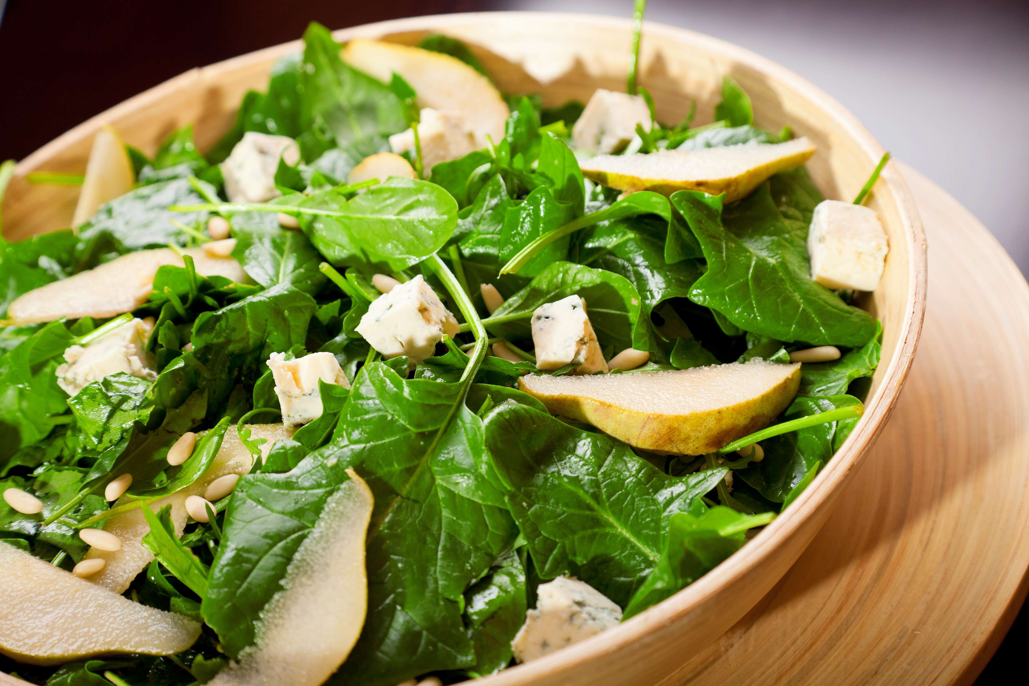 Spinach Salad With Cranberries And Pears Recipe | RecipeSavants.com